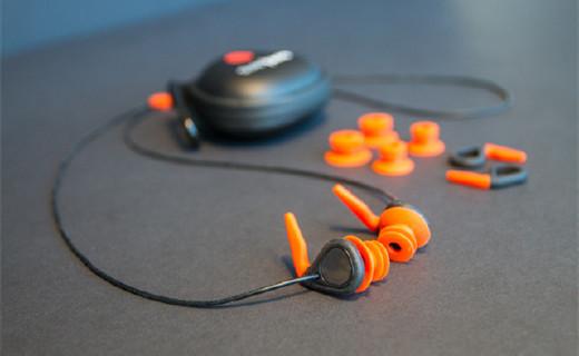 天然橡胶防水耳塞,戴着它聊天也能听清楚