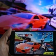 爱奇艺电视果4k评测,游戏投屏很畅快,4K画质超清晰