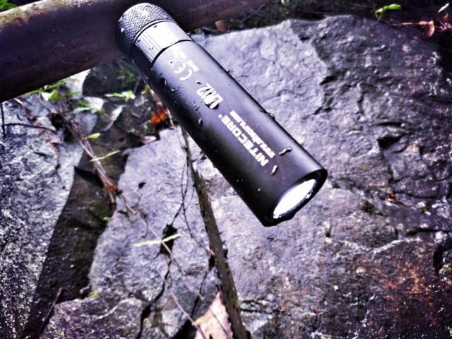 可以做营地灯的手电筒,奈特科尔LR12多功能户外电筒评测