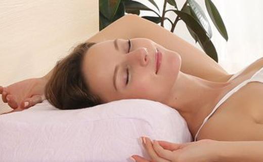 PAIGERLatex乳胶枕:泰国进口乳胶,舒缓肩颈睡的香