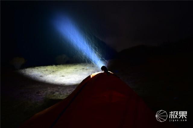 亮度堪比汽车大灯,防水长续航户外照明利器—务本T102强光手电筒评测