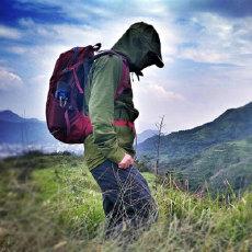 巴塔哥尼亚R1冲锋衣体验,防水保温又透气,徒步路上无惧风雨