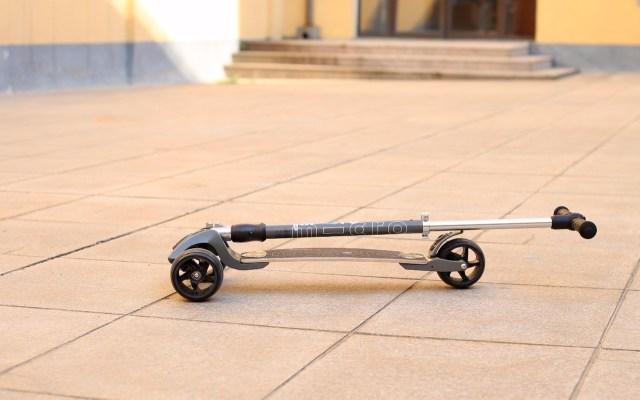 健身代步两不误,这款滑板车让我轻松出行 — 米高成人代步滑板车体验 | 视频