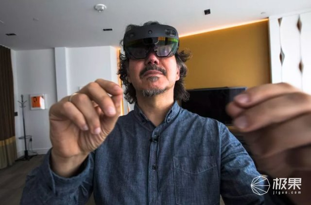3500美元!微软HoloLens2发布,搭载高通骁龙850,视野翻倍!