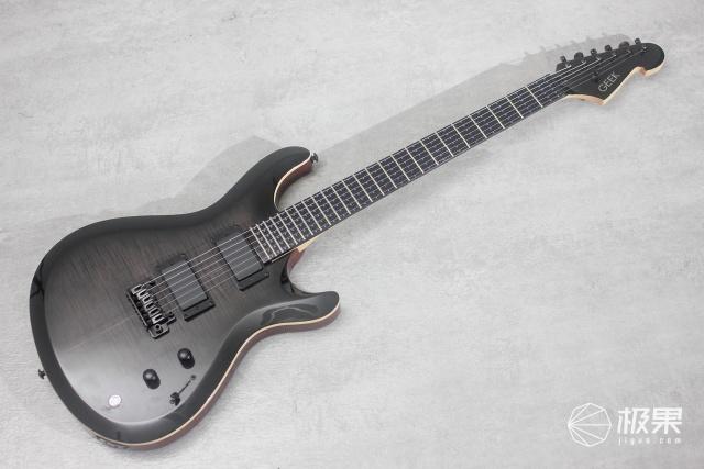 让摇滚梦变得触手可及,GEEKE2电吉他上手体验