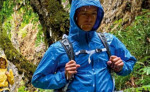 Columbia登山双肩包:轻量负担小,短途出行好选择
