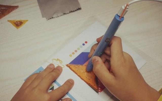 """小马良3D绘画笔可以让画面""""飞""""出纸张的神笔"""
