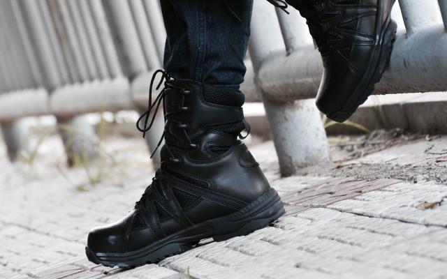 实用耐操军用8寸战术靴,透气舒适缓震十足
