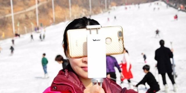 三轴太重、手持不稳,可以试下这款拍摄利器 — Wewow S1手机稳定器体验|视频