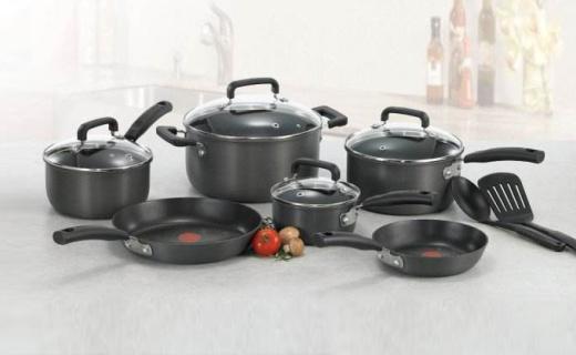特福8件套厨具:防变形锅底,特色红点技术自带油温计