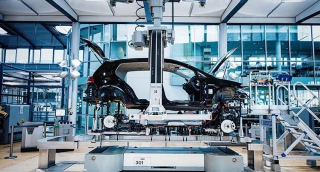 参观大众汽车最牛X透明工厂!驱鸟方式比飞机场还先进…