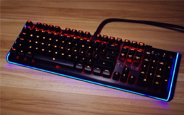 机械键盘中的贵族,樱桃银轴加持手感逆天 — 钛度幻彩师 银轴机械键盘体验