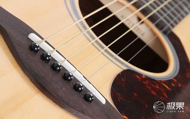 雅马哈(YAMHA)FGX800C吉他