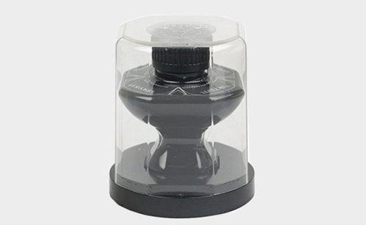 维斯康帝黑色墨水:水基配方快干顺畅,不易晕色饱和度高