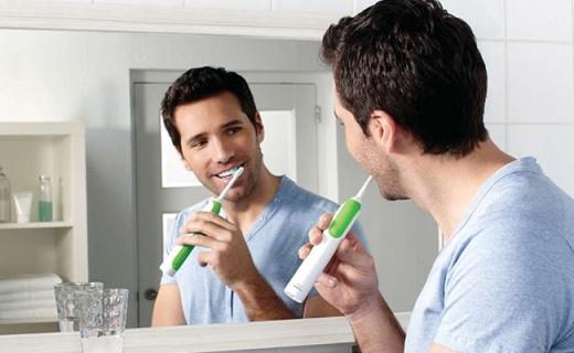 飞利浦HX3110电动牙刷:高频震动清洁,给口腔带来酷爽体验