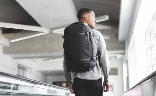 精致设计旅行背包,从此每件物品都井井有条!