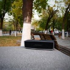 体型虽小却音质震撼,长续航户外小钢炮首选  — Bose SoundLink Mini 蓝牙音箱体验 | 视频