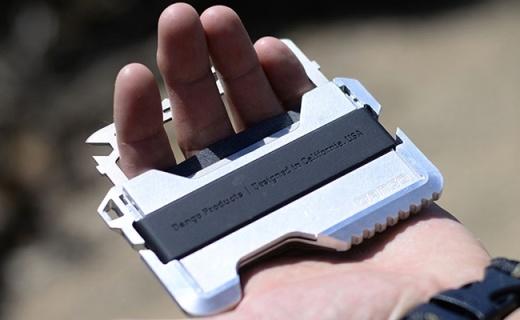 能塞下21张银行卡的战术钱包,竟然还有14种救生功能
