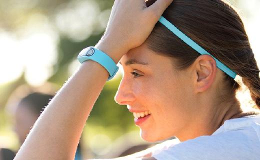 TomTom首款运动手环,不仅测心率,还能测体脂