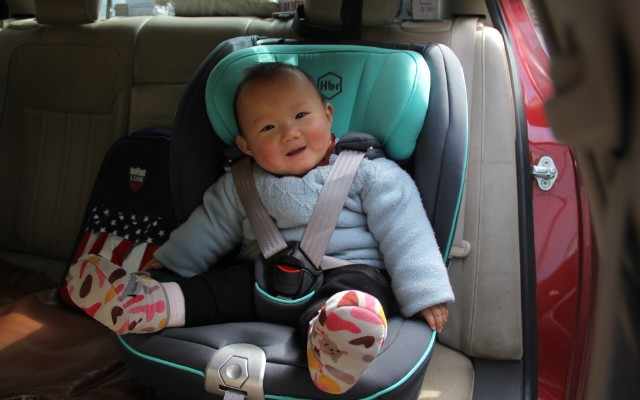 国产安全座椅中佼佼者,虎贝尔儿童安全座椅测评 | 视频