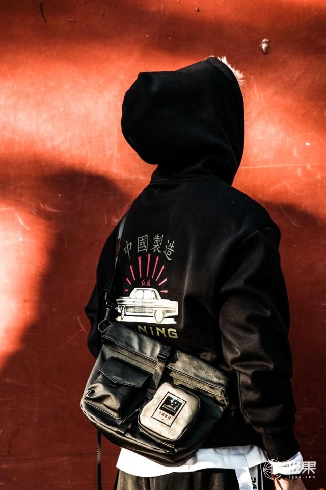 """李宁x红旗全新联名系列即将发售,""""爆款""""?""""抢衣大战""""?最好提前准备!"""