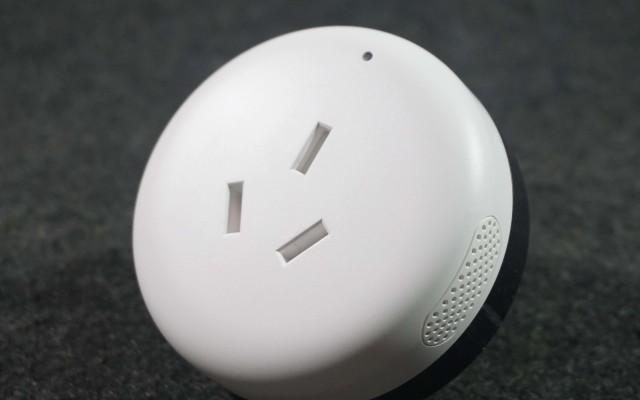 小米搞了个黑科技插头,用手机也能控制空调 | 视频