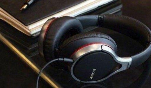 索尼MDRZX310头戴式耳机:30mm单元声音浑厚,仿真皮耳垫佩戴舒适
