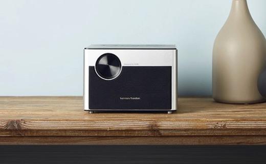 极米 Z5无屏电视:1000ANSI流明画质清晰明亮,哈曼卡顿音响音色出众