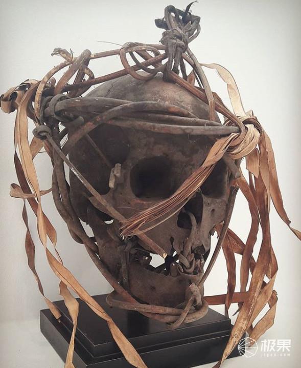 """ins竟成线上黑市?死人头被当""""艺术品""""贩卖,2000块一颗我都吓哭了…"""