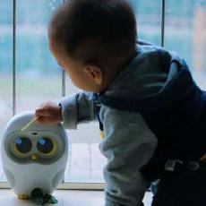卢卡阅读机器人,培养孩子阅读习惯的小助手 | 视频
