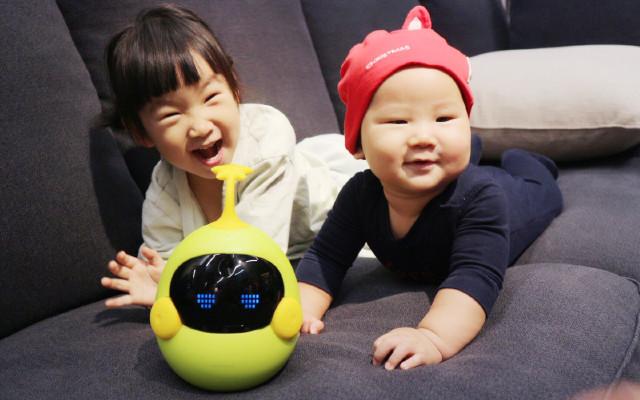 承包孩子从母腹到学龄前的所有快乐—迷你豆智能机器人