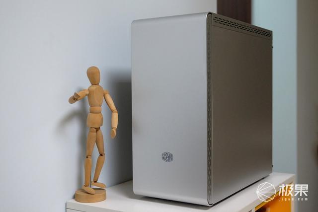 一体式造型,呈现简约之美,酷冷至尊MasterBoxMs600测评