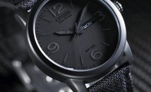 西铁城光动能手表:电镀黑离子精钢表壳,帅气有型实用