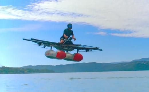 大男孩新玩具!飞行车能飞两层楼,水上也能开,竟然不要驾照!