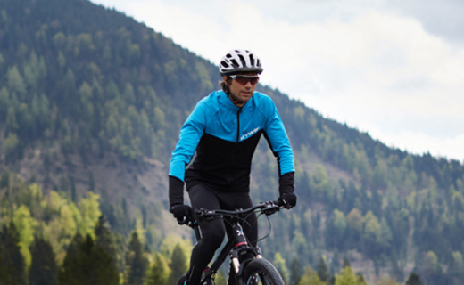 迪卡侬G BTWIN长袖骑行服:防晒排汗又透气,弹力舒适抵御寒冷