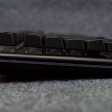 金属外壳+RGB流光灯带,玩出不一样的世界,黑峡谷 GK757B 开箱