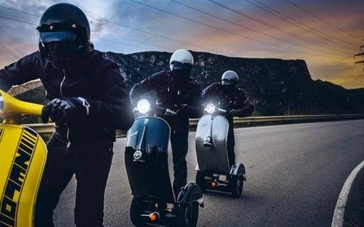 骑上就能飞!国外大神改造电动滑板车,炫酷到违反广告法!