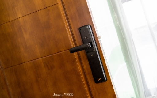 OLA微信指纹锁,一款能给死党分享钥匙的锁