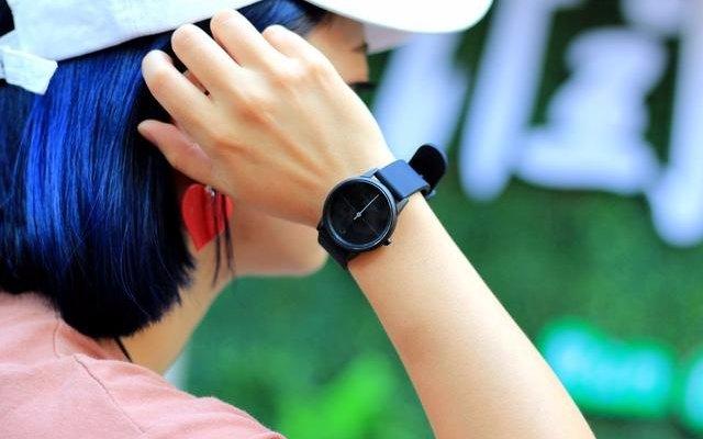极简美学与科技完美结合,手表界的工匠之作 —牛丁 LIFE+ 智能表轻体验