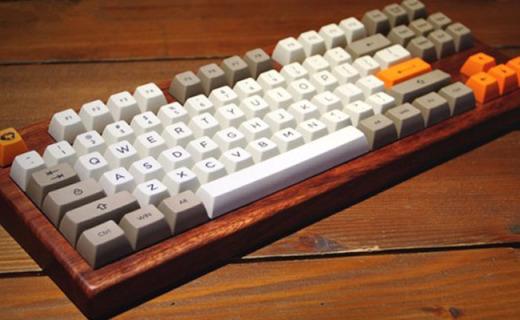 紧凑小布局、TypeC接口:Akko×Ducky3084午夜机械键盘体验