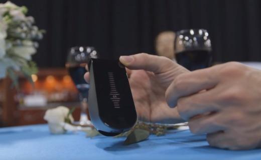 完全释放红酒风味 这款智能装置能瞬间为你醒酒