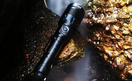 务本T103手电筒体验,防水耐操的户外照明大杀器
