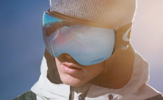 高科技普瑞智光学镜片,滑雪时视野更清晰