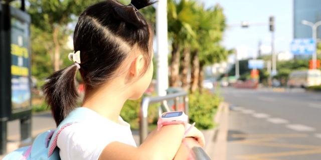 六重定位 一键呼救,随时随地保证孩子安全 — 360儿童手表SE3 Plus