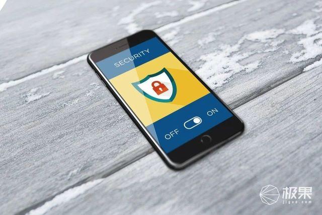 "iPhone惊现""盗刷门?#20445;?#25903;付宝微信一夜损失上万,这个漏洞赶紧自查!"