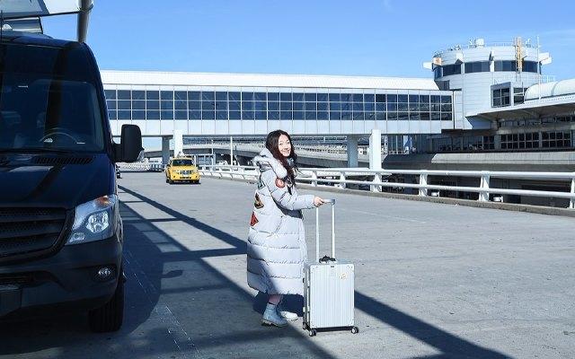 可充电的旅行箱,智能称重还能定位,摄影师旅行路上的贴心管家