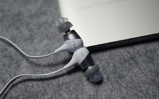 投影厂跨界做耳机,千元音质却只有百元售价