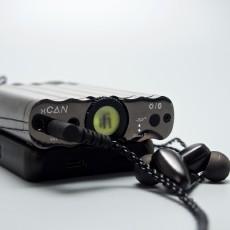 又一颜值担当的二房 iFi xCAN真平衡便携电池耳放一体机
