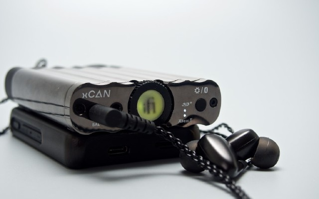 又一顏值擔當的二房 iFi xCAN真平衡便攜電池耳放一體機
