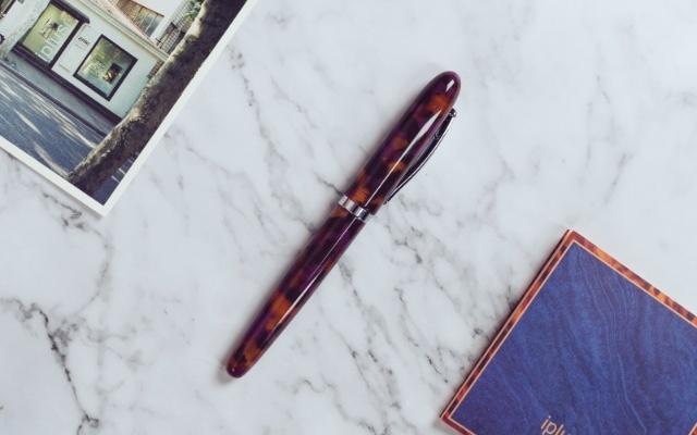 岁月静好,安心写字之Ipluso意索万象系列钢笔。